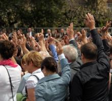 Die Wahlteilnahme: staatsbürgerliche Pflicht vs. freiwillige Entscheidung
