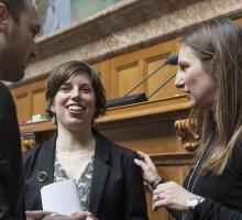 Politisieren Frauen anders als Männer?