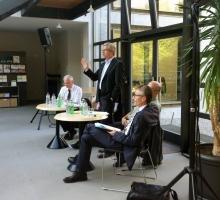 Volksinitiative durch 'allgemeine Anregung' ersetzen!